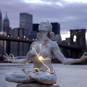 Paige-Bradleys-Expansion-Light-Sculpture-2